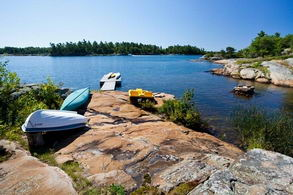 Small Boat Harbour - Country homes for sale and luxury real estate including horse farms and property in the Caledon and King City areas near Toronto